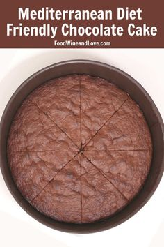 Mediterranean Diet Friendly Chocolate Cake - Food Wine and Love Mediterranean Diet Friendly Chocolate Cake. This recipe is healthier than any other chocolate dessert that I have tried and it is friendly to the Mediterranean diet. Hot Fudge Cake, Hot Chocolate Fudge, Chocolate Desserts, New Year's Desserts, Diet Desserts, Heart Healthy Desserts, Diabetic Desserts, Party Desserts, Healthy Recipes