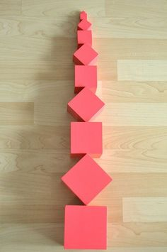 Fantastic extension for the Pink Tower, Broad Stairs and the . Montessori Preschool, Montessori Education, Preschool Learning Activities, Maria Montessori, Baby Activities, Baby Education, Teaching Kindergarten, Learning Games, Kids Learning