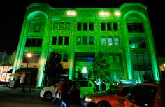 For a two-day experience-based activation in 2010, Heineken illuminated the exterior of Miami's Moore Building with emerald green lighting to...