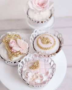 Pink and gold, one of our very popular cupcake tone.