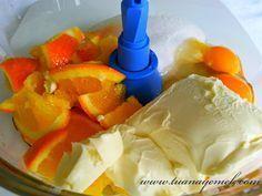 Malzemeler: - 1 adet koyu renkli kalın kabuklu portakal - 125 gr oda sıcaklığında margarin yada ter...
