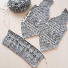 erkek bebek yelegim photos and videos Baby Cardigan Knitting Pattern, Baby Boy Knitting, Baby Knitting Patterns, Knitting Blogs, Loom Knitting, Knitting Stitches, Baby Vest, Baby Pants, Baby Baby