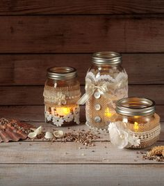 Grab this how-to and make your own lace luminaries our of mason jars you already have! | Mason Jar Projects!