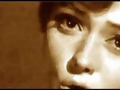 Rita Pavone-----un twist en la radio portatil......Suena--- Song Play, Bambam, Bob Marley, Reggae, Tango, Chill, Beach, Musik, The Beach