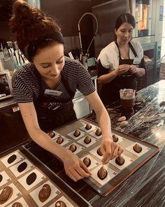 Obłędnie czekoladowe mufffiny z kawałkami czekolady - Justyna Dragan Rye, Blondies, Kitchen Appliances, Cookies, Smoothie, Skinny, Brioche, Kuchen, Diy Kitchen Appliances