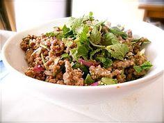 ลาบ Laab (Thai ground beef salad), served 3 ways Meat Salad, Soup And Salad, Pork Recipes, Asian Recipes, Thai Recipes, Asian Foods, Healthy Salad Recipes, Kitchens