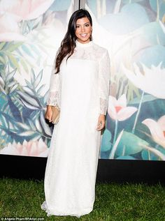 Kourtney Kardashian hides her baby bump in angelic lace gown. Looking so angelic ;)    #trendyclothings #who #gown #angelic#cute #kardashian#fab#fashion #summer
