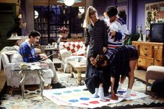 - The One with George Stephanopoulos - 3 - Courteney Cox Online - Photo Gallery Friends Season 1, Friends Episodes, Friends Moments, Friends Tv Show, Friends In Love, Best Tv Shows, Favorite Tv Shows, Favorite Things, Online Themes