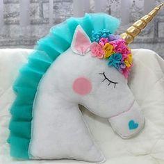 Encomenda almofada unicórnio em feltro pronta #almofadaunicórnio #almofada #unicornio #unicórnio #feltro #feitoamao #feitoamão #trabalhomanual #artesanato #arte #feitodepano #tutu #pink #corderosa #tulle