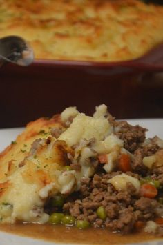 """Shepherd's Pie VI   """"This recipe was fantastic!"""" #cheaprecipes #cheapmeals #budgetfriendly #budgetrecipes #frugalcooking #frugalmeals #cheapdinnerideas #cheap #budget #economical #frugal Frugal Meals, Budget Meals, Easy Shepherds Pie, Cheese Mashed Potatoes, Vegetarian Recipes, Cooking Recipes, Bourbon Chicken, Cheap Dinners, Beef Dishes"""
