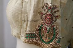 Silk Kurti Designs, Wedding Saree Blouse Designs, Silk Saree Blouse Designs, Fancy Blouse Designs, Sari Blouse, Choli Designs, Hand Work Blouse Design, Gold Blouse, Choices