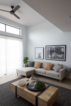 The Sienna 187 Display @rivergumhomes https://rivergumhomes.com.au/home-designs/sienna-187/ #weeklyhometrends #nordic #scandinavian #relaxedliving #living #space #interiors #design #styling #wallpaper #decor #newhome #rivergumhomes