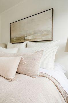 Dream Bedroom, Home Bedroom, Master Bedroom, Bedroom Decor, Bedrooms, Bedroom Furniture, Bed Pillow Arrangement, Deco Zen, Living Room Shop