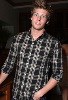 Hunter Parrish spam <3. you're welcome.