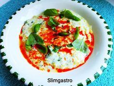 Slimgastro: Bazsalikomos tökfőzelék Caprese Salad, Thai Red Curry, Ethnic Recipes, Food, Essen, Meals, Yemek, Insalata Caprese, Eten