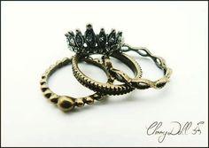Mais um dos #quartetos de #anéis em #ourovelho agora com #coroinha muito fofo  #anel #rings #coroa #Queen #bijuteria #bijoux #acessórios #cuteshop #inlove #igbijus #shoponline #instabijoux #fashionrings #style #cuteshop #pandorainspired #lovely #metalenvelhecido #lovebiju #bijulovers #instashop #ecommerce #lojasdoig by cherrydoll182