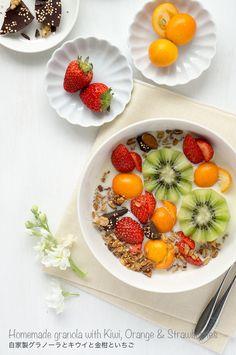 フルーツたっぷり朝ごはん。キウイと金柑といちごのグラノーラボウル - BEAUTY CONCIER