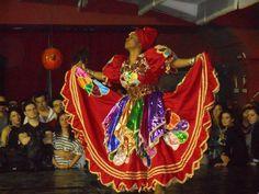 2 de Febrero dia de Oya... Muchos Religiosos dedican este dia especialmente a esta poderosa Orisha llamada Oya, realizando Ofrendas, cantos y rezos... Oya también conocida como Yansá se sincretiza con la Virgen de la Candelaria, Dueña de las centellas, los temporales y los vientos; dueña de lo... 2 de Febrero   Dia de Oya (Ache mi Madre Oya... Jecua Jey Jansa)