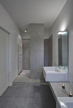 villa mm a biella - Federico Delrosso Architects Concrete Bathroom, Bathroom Spa, Bathroom Ideas, Washroom Design, Bathroom Interior Design, Contemporary Bathrooms, Modern Bathroom, Blue Rooms, Minimalist Interior