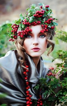 """Curly updo with red berry crown bridal hair ideas Toni Kami ⊱✿Flowers in her hair✿⊰ ♪♫ Flowers In Your Hair"""" ♫ ♪"""
