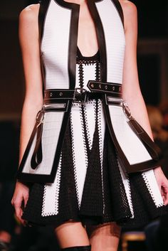 Givenchy Spring 2015 Ready-to-Wear - Details - Gallery - Look 6 - Style.com