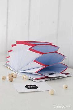 DIY: accordion folder