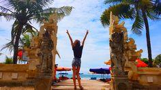 Inny Świat - Indonezja - część I - Bali Chciałabym przyznać, że Bali zrobiło na mnie wspaniałe wrażenie, aczkolwiek określenie idylliczna destynacja na rajskie wakacje nie do końca pasuje. Dlaczego? Po tym jak już pierwszego dnia poparzyłam się wspaniałym równikowym słońcem, doznałam szoku widząc brudne i zaśmiecone plaże z wałęsającymi się głodnymi psami,