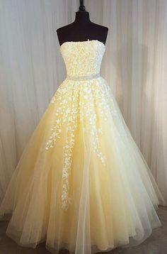 Prom Dress Princess, Charming Prom Dress, Long Prom Dresses, Sexy Strapless Tulle Homecoming Dress Shop ball gown prom dresses and gowns and become a princess on prom night. prom ball gowns in every size, from juniors to plus size. Pretty Prom Dresses, Strapless Prom Dresses, Sweet 16 Dresses, Ball Gowns Prom, A Line Prom Dresses, Tulle Prom Dress, Long Wedding Dresses, Prom Party Dresses, Quinceanera Dresses