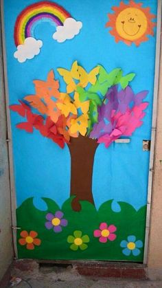 spring bulletin boards and classroom ıdeas archives for kids Spring or a great kindness tree This post was discovered by Dá Decoration Creche, Board Decoration, Preschool Door, Preschool Activities, School Door Decorations, Spring Bulletin Boards, Butterfly Tree, School Doors, Spring Crafts