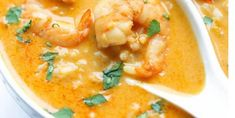 Thai soup with shrimp and coconut milk Source by Asian Recipes, Gourmet Recipes, Cooking Recipes, Healthy Recipes, Cooking Time, Thai Soup, Curry Soup, Sopas Thai, Confort Food
