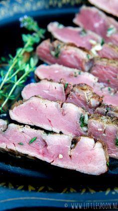 Ribeye van de barbecue met ansjovis, tijm en knoflook - Little Spoon