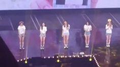 Nayeon cheer for Jeong  And Jeongyeon hit her high note during One in a million     TWICELAND #Nayeon#Jeongyeon#Momo#Sana#Jihyo#Mina#Dahyun#Chaeyoung#Tzuyu#Twice#JYP#트와이스#ONCE#Twiceland#2yeon