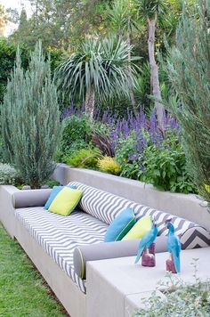 deco modern - Garden Ideas with modern decor - Perfect Idea for any Space. Backyard Garden Landscape, Small Backyard Gardens, Garden Yard Ideas, Large Backyard, Backyard For Kids, Backyard Landscaping, Outdoor Gardens, Rustic Backyard, Balcony Garden