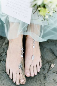 Barefoot Sandals | Beach Bridal Session | Carolin Anne Photography | Bridal Musings Wedding Blog