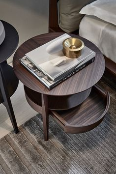 The small side table is not as functional as the large dining table, but can be placed in a book/tea cup/vase to make the living room/bedroom more complete. Mens Bedding Sets, D House, Simple Bed, Coffe Table, Small Tables, Wood Shelves, Living Room Bedroom, Wood Table, Furniture Design