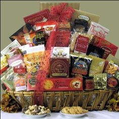Magnificent Munchies: Gourmet Corporate Gift Basket$224.99: www.amazon.com/Magnificent-Munchies-Gourmet-Corporate-Basket/dp/B000JG9PT2/?tag=sure9600pneun-20