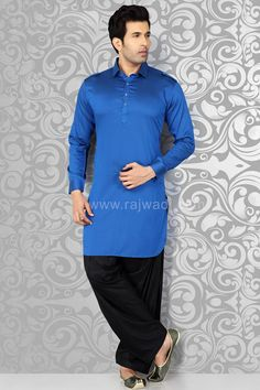 This classy plain kurta is teamed with contrast Black bottom in Voile fabric. Blue Pathani suit will create a different look in any event. Nigerian Men Fashion, Indian Men Fashion, Mens Fashion, Pathani For Men, Pathani Kurta, Mens Kurta Designs, Designer Suits For Men, How To Look Handsome, Dress Images