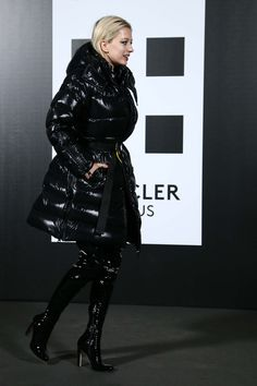 Caroline Vreeland attends Moncler Genius Project in Dominatrix Style Patent Leather Boots Coats For Women, Jackets For Women, Clothes For Women, Fur Fashion, Fashion Dresses, Moncler Jacket Women, Stylish Coat, Milan Fashion Weeks, Cool Jackets