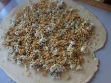 Orechovo syrové chuťovky • Recept   svetvomne.sk Salt, Food, Basket, Essen, Salts, Meals, Yemek, Eten