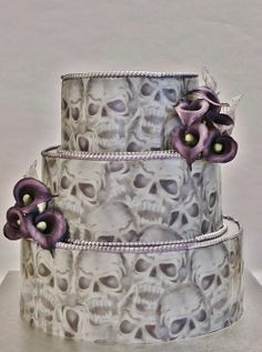 """Hand painted Skull Wedding Cake with purple Callas ~ all edible. Bringing home the """"'til death"""" part. Skull Wedding Cakes, Gothic Wedding Cake, Gothic Cake, Halloween Wedding Cakes, Purple Wedding Cakes, Halloween Cakes, Skull Cakes, Halloween Foods, Creepy Halloween"""