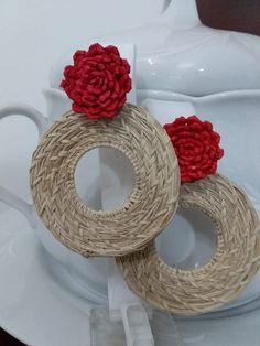Fabric Earrings, Beaded Earrings Patterns, Fabric Jewelry, Diy Earrings, Fashion Earrings, Earrings Handmade, Handmade Jewelry, Ear Jewelry, Bridal Jewelry