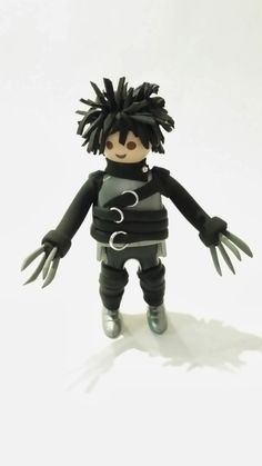 Custom Edward Scissor Hands by Playmolook. Movie Props, Party Props, Toy Art, Lego Tv, Playmobil Toys, Toy Display, Edward Scissorhands, Barbie, Movie Party