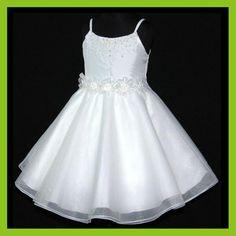 vestidos de fiesta para niñas - Buscar con Google Little Girl Outfits, Kids Outfits, Party Fashion, Kids Fashion, Event Dresses, Wedding Dresses, Girls Dresses, Flower Girl Dresses, Skirt Tutorial