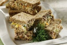 Sandwich with tuna salad-featured_image Dinner Sandwiches, Fish Sandwich, Greek Cooking, Party Finger Foods, Food To Go, Tuna Salad, Food Categories, Greek Recipes, Best Breakfast