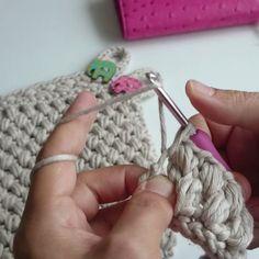 """3,467 """"Μου αρέσει!"""", 74 σχόλια - Gülten (gultence79) (@roseverose) στο Instagram: """"Fıstık tutacak yapılışı başlangıçla birlikte Youtube kanalımızda ✔ Crochet potholders with Bean…"""""""