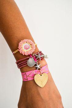 Alex And Ani Charms, Jewelry Ideas, Charmed, Bracelets, Fashion, Handmade Jewelry, Hand Made, Handmade Accessories, Bangle Bracelets