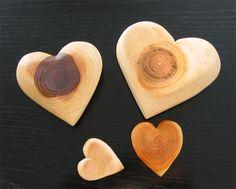 beautiful wooden hearts handmade by Marianne Etienne