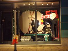 Idea escaparates de Navidad - Chistmas window display #barbie #ken JOIN US on facebook-SUSI MODA