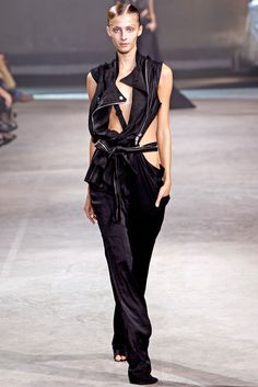 Haider Ackermann Spring 2011 Ready-to-Wear - Collection - Gallery - Style.com // A dynamic use of triangle here and subversion of lapels. I find I often drape with squares or triangles but I should begin to drape more with triangles because they can tessalate around the body and offer more visually.