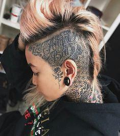 ・・・ ✂️A fear of weakness only strengthens weakness. Small Face Tattoos, Head Tattoos, Badass Tattoos, Body Art Tattoos, Girl Tattoos, Half Shaved Head, Shaved Hair, Tattooed Women Full Body, Short Hair Cuts